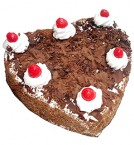 send  500gms heart shape Black Forest cake delivery