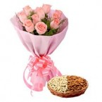 send gift box of 500 Mixed dry fruits and Pink Roses Flower bouquet delivery