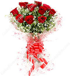 fresh bunch of 10 red roses